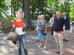 Bim från Dorotea läser Julhälsningen och bekantar sig med sina släktingar